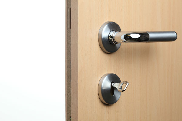 Door handle to an office door